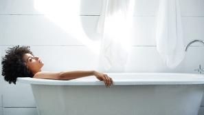 حمام اللافندر لبشرة جسم ناعمة وأعصاب هادئة