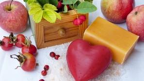 طريقة عمل صابونة أحماض الفواكه