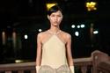 فستان باللون الأصفر الفاتح مزين من مجموعة Lanvin