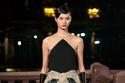 فستان أسود أنيق من مجموعة Lanvin