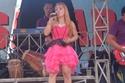 مغنية البوب الأندونيسية إيرما بولي توفيت على المسرح بعد أن قرصتها أفعى
