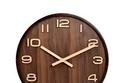 ساعة حائط كلاسيكية خشبية على شكل دائرة