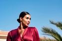 ياسمين صبري بفستان أحمر داكن من الحرير
