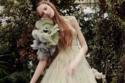فستان زفاف باللون الأخضر الباستل من Vera Wang