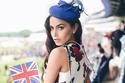 مدونة الموضة الهندية ديبا بأجمل إطلالات لها على انستغرام