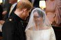 صور عن قرب تكشف تفاصيل تصميم فستان زفاف ميغان ماركل وهذا سعره الباهظ