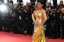 آيشواريا راي باتشان تفشل في إبهار الجمهور بفستان عروس البحر البراق
