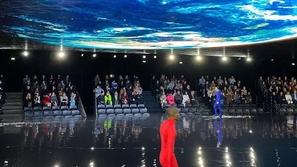 Balenciaga يجسد نهاية العالم في أسبوع الموضة في باريس
