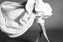 بلوزة مع سروال قصير من مجموعة محمد آشي Ashi Studio هوت كوتور شتاء 2021
