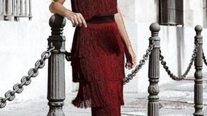 فساتين الشراشيب باللون الأحمر إطلالتك المثالية في السهرات والمناسبات
