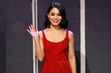 فساتين الشراشيب المميزة باللون الأحمر لعيد الحب