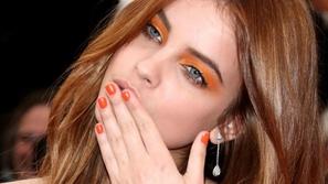 مكياج عيون 2019: البرتقالي بدرجات الباستيل الصيحة الأكثر رواجاً