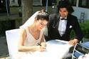 صور بيرين سات ترتدي أجمل فساتين الزفاف والخطوبة