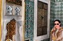 بالصور: الفرو يسيطر على أناقة نجمات العرب في الشتاء