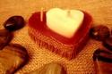 مصممة الشموع رانيا الغزالي تغير مفهوم هدايا عيد الحب بقماش الخيش والأخشاب