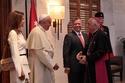العائلة المالكة الأردنية في استقبال البابا فرنسيس الأول