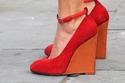 أحذية مريحة ذات كعوب عالية لصيف حيوي