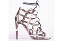 Olivia Palermo تطلق مجموعةً من الأحذية بالتعاون مع Aquazzura