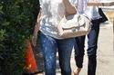 "Amy Adams تحمل حقيبة ""Fiamma"""