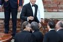 السعادة تبدو على وجه جورج كلوني