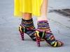 شاهدي بالفيديو نوع جديد من الجوارب بديلة للحذاء بدون كعب