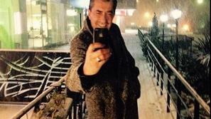 صور مشاهير تركيا يستمتعون بالثلج والأجواء الشتوية
