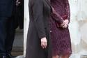 صور كيت ميدلتون بفستان جوبير باللون البورغندي من دولتشي أند غابانا وهذا سعره