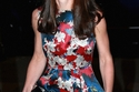 صور كيت ميدلتون تختار فستان طويل بطبعة الورد لأناقتها