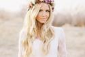 طرق رائعة لتتركي شعرك مفروداً يوم زفافك … اختاري تسريحتك