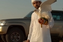 الشيخ حمدان يصطحب نيسان باترول في رحلات صيده بالصقور