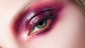 صيحات مكياج عيون glossy بدرجات ألوان الخريف