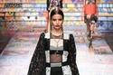 إطلالة أنيقة مزينة بالدانتيل بنقش المربعات  من Dolce & Gabbana