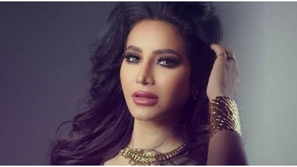 لجين عمران تشعل الميديا برقصها العفوي وكشفها ملامح ابنتها