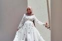 فستان أبيض للمحجبات حوامل من وحي الفاشينيستا سهى