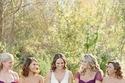 العروس مع صديقاتها باللون البنفسجي