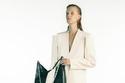 بدلة باللون الأبيض من مجموعة Givenchy