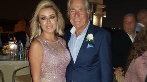 رقص مصطفى فهمي مع ابنته في زفافها وزوجته تخطف الأنظار بفستانها اللامع
