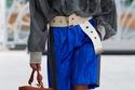 حقيبة الدلو مزينة من الجلد البني من مجموعة Louis Vuitton