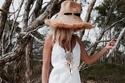 لديك حفل زفاف على البحر؟ إليك أفضل الأزياءالمناسبة