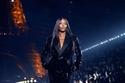 1 ناعومي كامبل في عرض أزياء إيف سان لوران لربيع 2020  في باريس