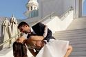 دينا داش بفستان قصير في عقد قرانها في المسجد
