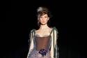 فستان طويل مخملي وتل من مجموعة Yanina هوت كوتور شتاء 2021