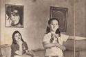 شويكار مع ابنتها منة الله في طفولتها