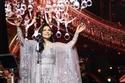 أحلام تشعل حفل السعودية بهدايا مميزة للجمهور وفستان فخم يحبس الأنفاس