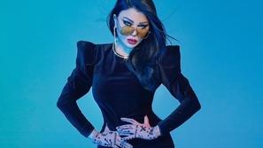 صور هيفاء وهبي تودع المرض نهائياً بجلسة تصوير تعكس أنوثتها وحيويتها