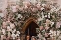 زفاف الأميرة بياتريس بنفس فستان الملكة إليزابيث مع إضافة أكمام قصيرة