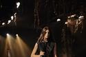إطلالة كاجول مع جينز وحقيبة كبيرة الحجم من مجموعة Khaite