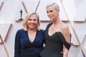 تشارليز ثيرون مع والدتها في حفل أوسكار 2020