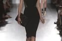 أزياء وحقائب أنيقة في مجموعة فيكتوريا بيكهام لربيع وصيف 2013