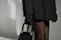 حقيبة بتصميم شنطة التسوق من Fendi